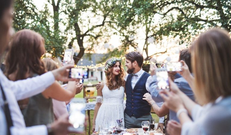 How Long Should a Wedding Reception Be?
